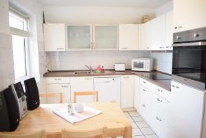 Küche mit 4 Sitzplätzen