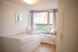Schlafzimmer mit ausziehbarem Bett für 2 Personen